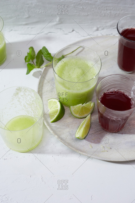 Lime smoothies and iced tea