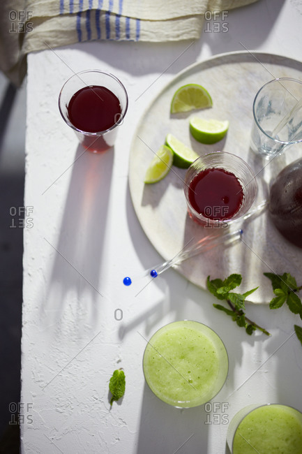 Iced tea and lime smoothies