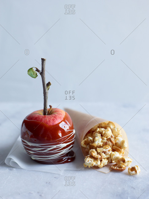 Candied popcorn and candy apple
