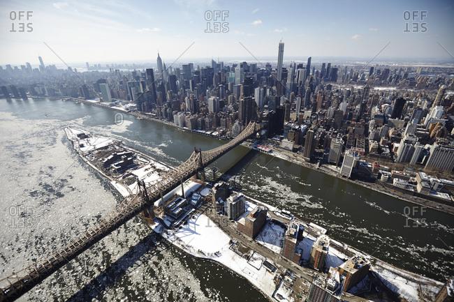 Roosevelt Island and Manhattan in winter