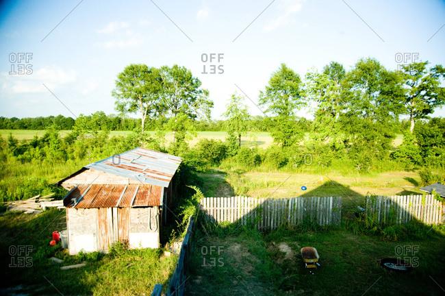 The backyard of a bousillage homestead