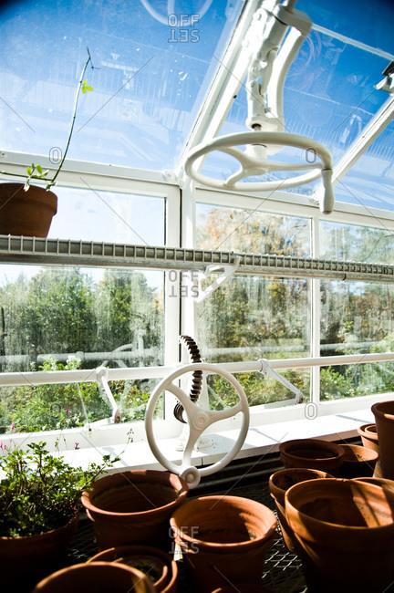 Cranks on a greenhouse