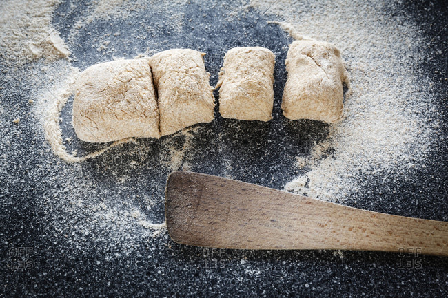 Preparing of whole meal spelt rolls