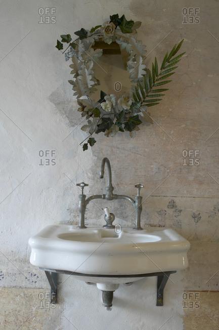 Wash basin in a Tuscan farmhouse