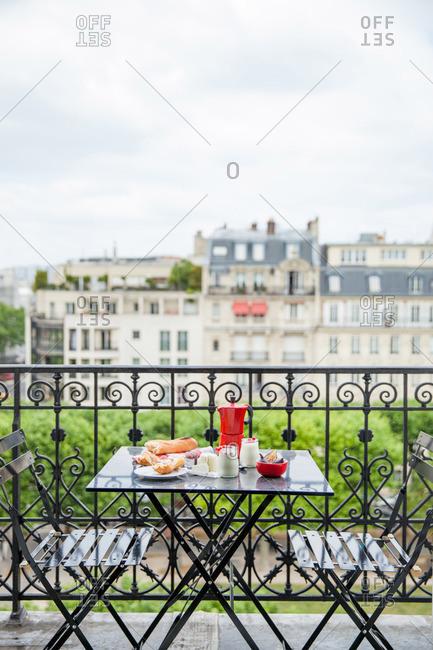 Breakfast al fresco in Paris, France