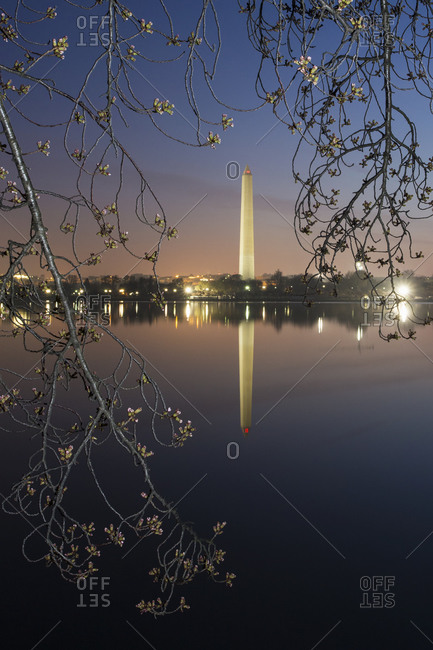Washington Monument at dawn reflected in the lake