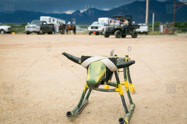 Stationary bull for roping practice