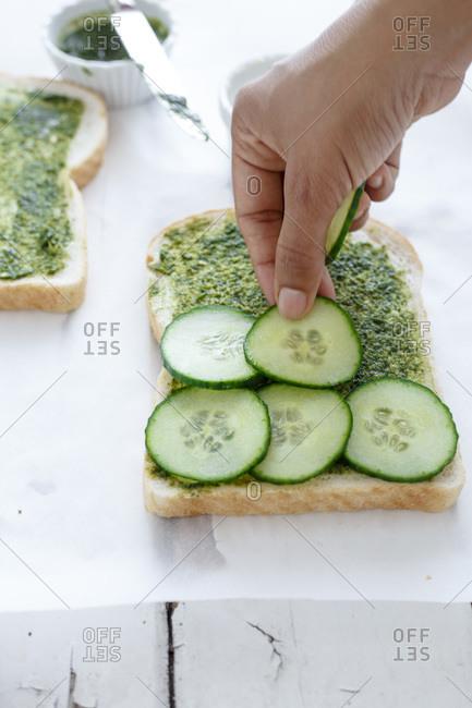 Fixing a open face sandwich