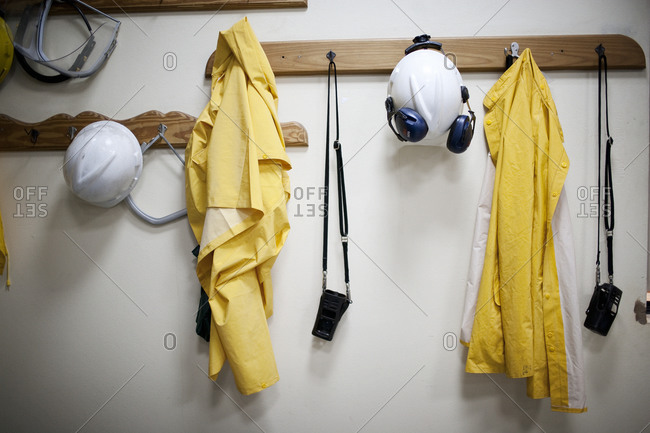 Workers' protective clothing and gear