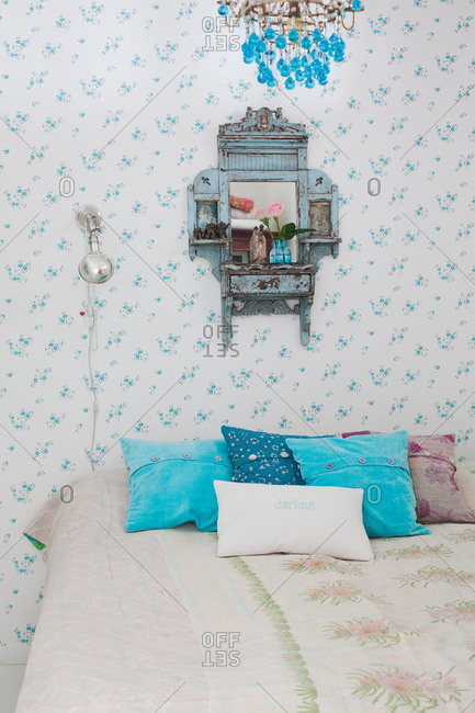 A shabby chic bedroom in Sweden