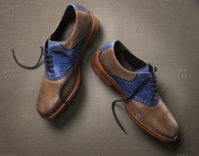 Men's brown and blue saddle-style oxford shoes