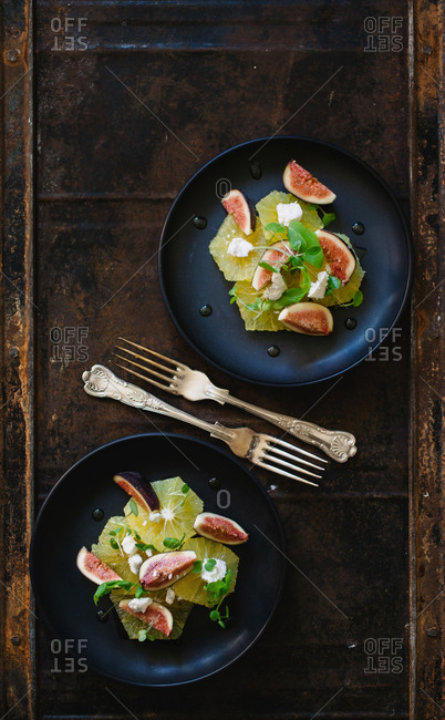 Two plates with fig salad