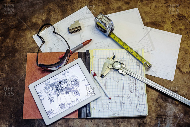 Engineering notes, tools and tablet computer