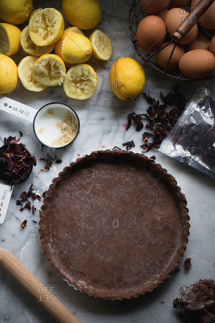 Chocolate crust and ingredients