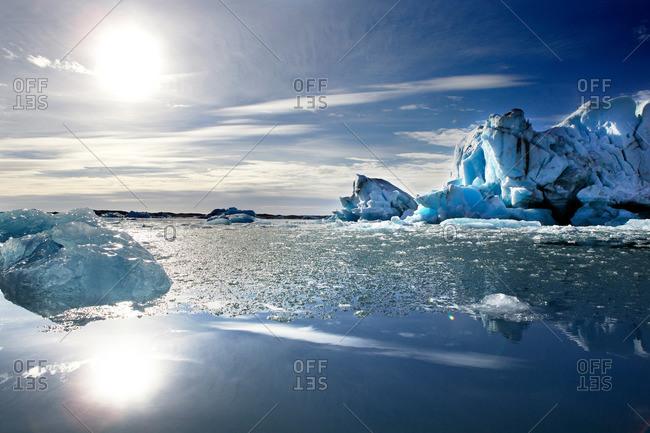 Sun over Icelandic glacial lagoon
