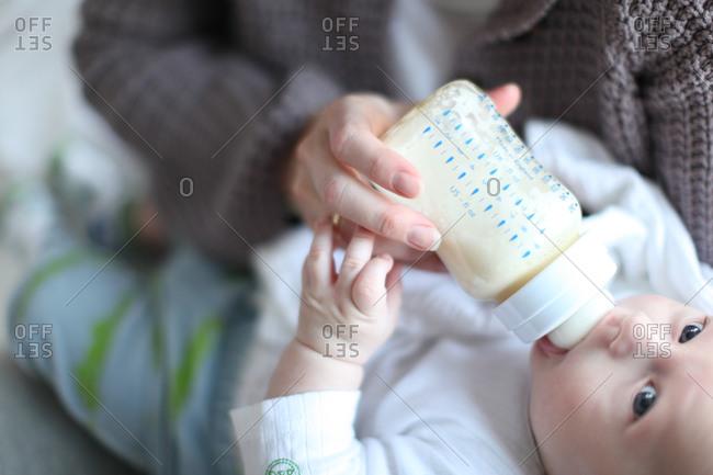 Bottle feed baby