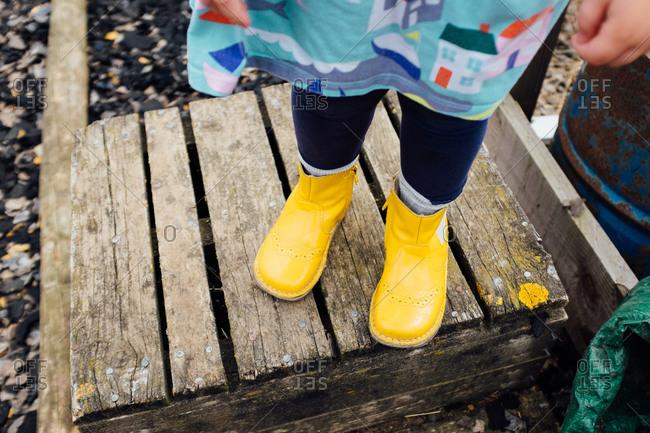 Little girl's rubber boots
