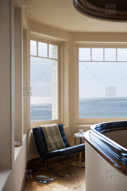 Lookout room with ocean view in home