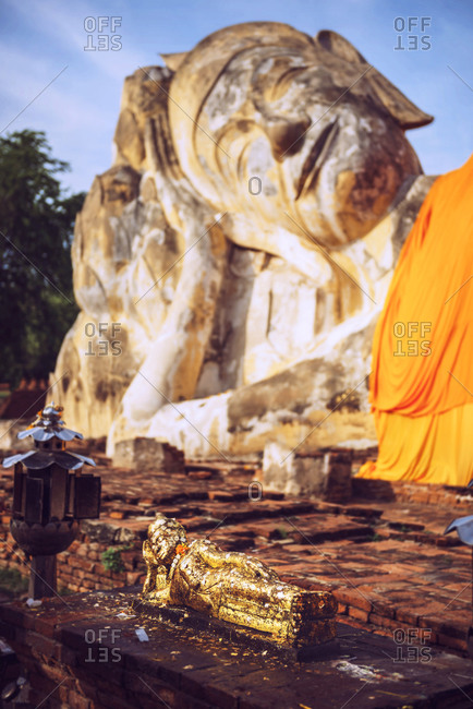 Reclining Buddha of Wat Lokaya Sutha