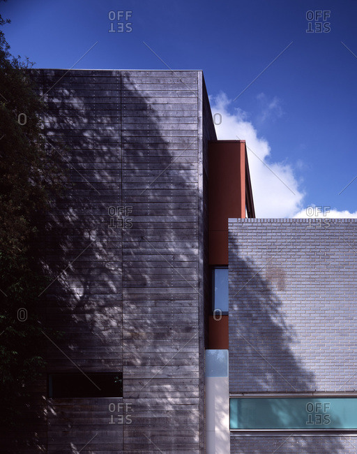 Side elevation of a modern house in Wimbledon, London