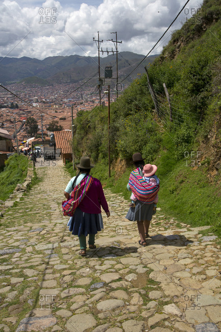 Quechua women in traditional dress, Urubamba Province