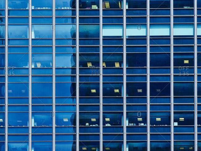 High-rise building, glass facade, Chicago