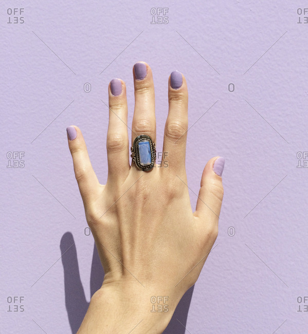 Hand of a woman wearing a chunky ring
