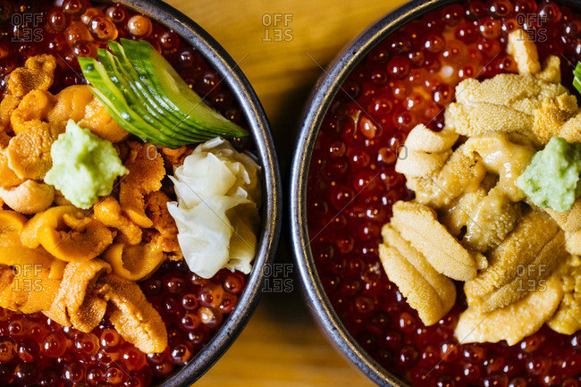Sea urchin with salmon roe and rice dish