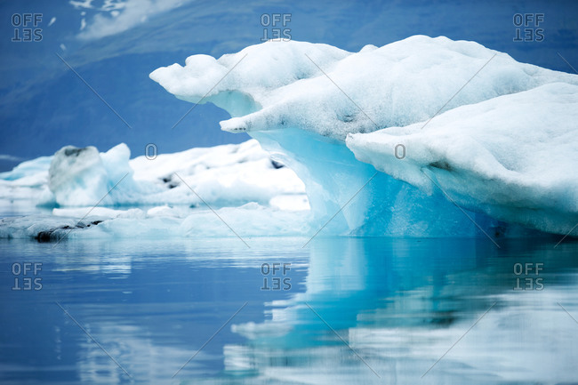 A big blue iceberg - Offset