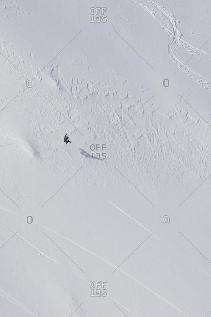 Snowboarder off piste boarding