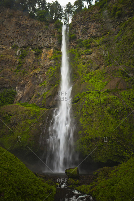 Multnomah Falls, a waterfall located in the Columbia River Gorge, Oregon