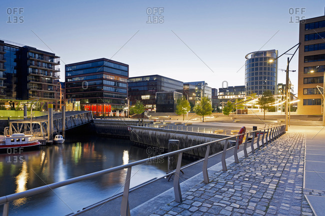 View to the Magellan terraces in the evening from Kaiserkai, Hafencity, Hamburg, Germany