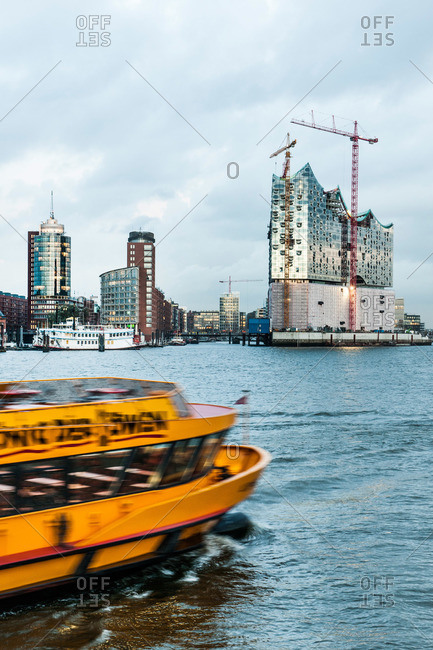 View over river Elbe to Hafencity with Elbe Philharmonic Hall, Hamburg, Germany