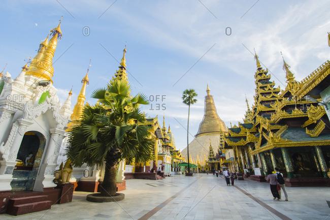 Shwedagon Pagoda, Strand Market Two Pice Hall, Yagnon, Myanmar