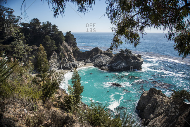 Mcway Falls and ocean view in Julia Pfeiffer Burns State Park, Big Sur, California