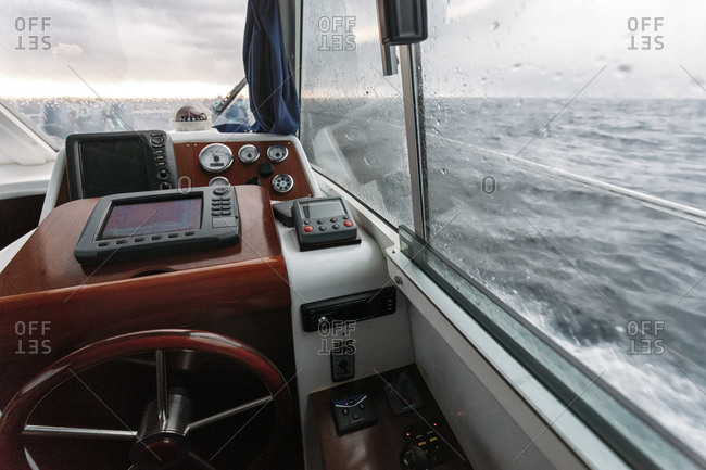 Steering wheel and navigation system on fishing boat