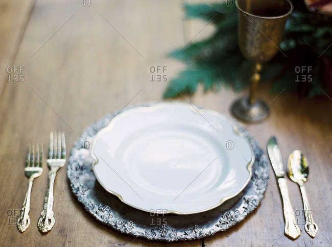 Table setting with gold and silver accents