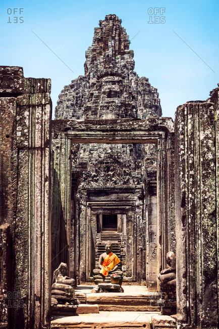 Angkor Thom Temple with Buddha statue