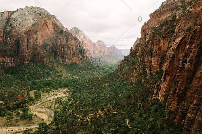 Hiking trails in Zion Canyon in the National Park in Utah