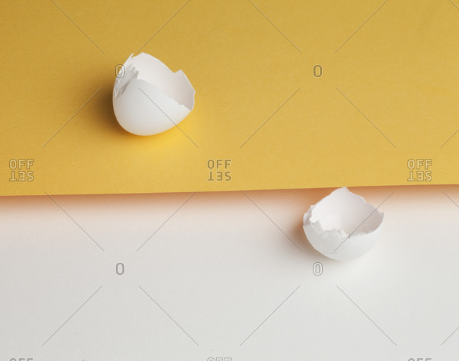 Egg shell split on yellow and white