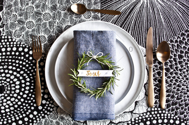 Decorative place setting and place card