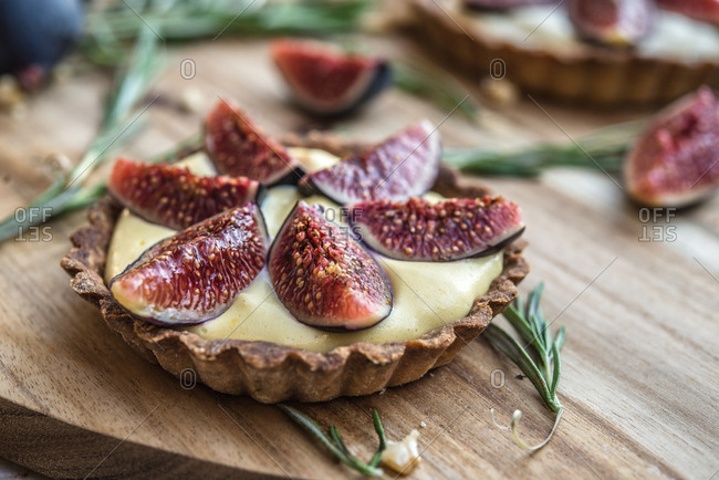 Close up of fig topped custard tart
