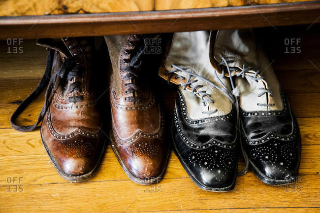 Leatehr wingtip shoes
