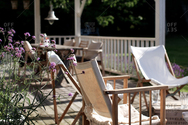 Scandinavian summer house - Offset Collection