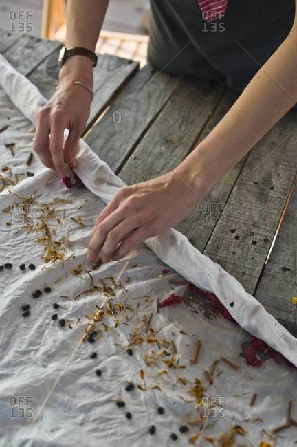 Bundle dying fabric with dye plants