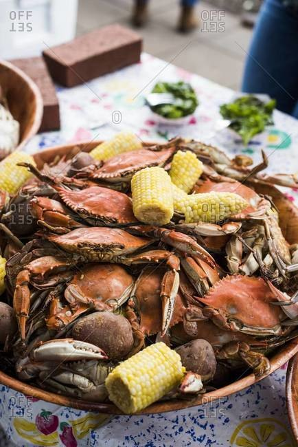 Steamed crab with corn on the cob
