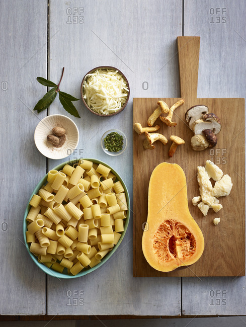 Ingredients for pasta with rigatoni noodles and butternut squash