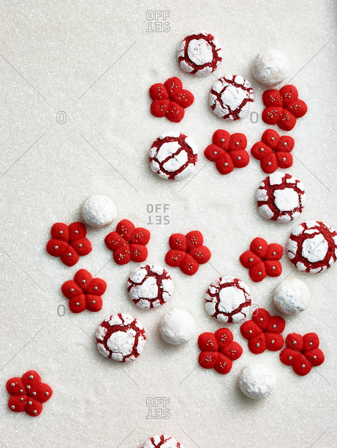 Red velvet, white round, and flower cookies