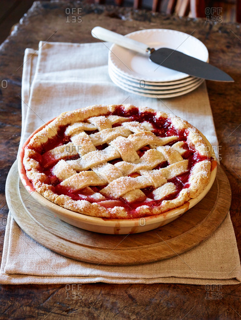 Fresh baked strawberry-rhubarb pie cooling