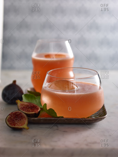 Guava mint cocktails
